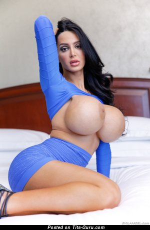 Amy Anderssen - Beautiful Canadian Brunette Pornstar with Beautiful Bald Silicone Extensive Knockers (Hd Sexual Picture)