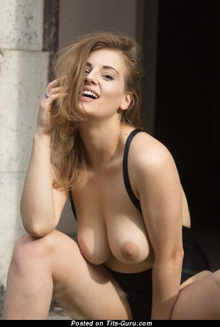 Sexy naked wonderful lady with medium natural breast pic