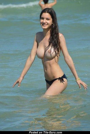 Sweet Topless & Wet Brunette Babe in Bikini on the Beach (on Public Sex Photo)