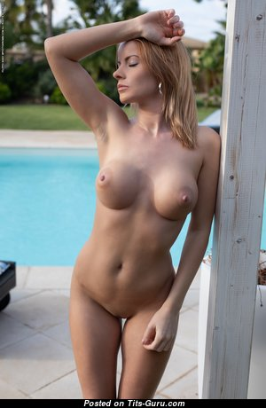 Brooke - Good-Looking Unclothed Red Hair Babe in the Pool (Hd Xxx Image)
