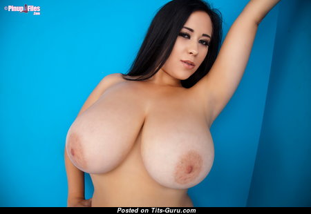 Chloe Kendall - Beautiful Glamour British Brunette Babe with Beautiful Exposed Natural Big Chest (Hd Xxx Picture)