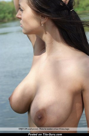 Alluring Babe with Alluring Exposed Natural D Size Tits (Hd Sexual Pix)