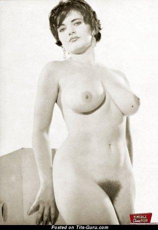 Изображение умопомрачительной обнажённой девахи