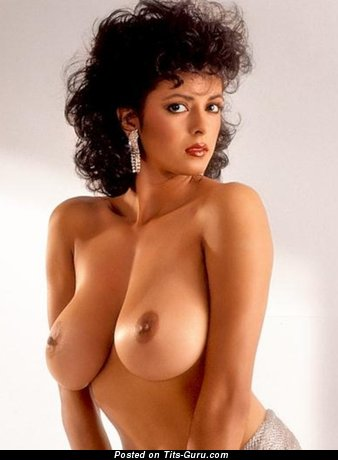 Gorgeous Babe with Gorgeous Naked Real Regular Titty (Hd Xxx Picture)