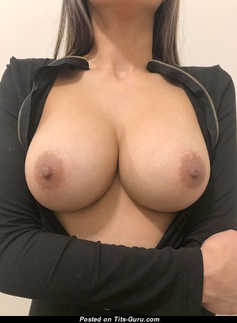 Elegant Babe with Elegant Bare Natural Medium Sized Boobs (Hd Sex Photo)