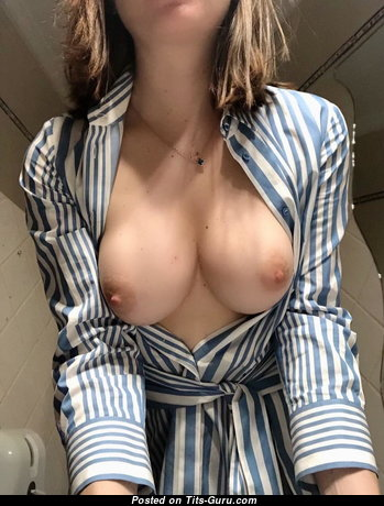 Graceful Babe with Graceful Bare Regular Boobie & Huge Nipples (Amateur Sex Photo)