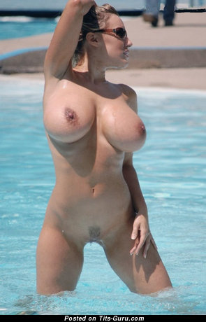 Image. Nude hot girl with big tittes photo