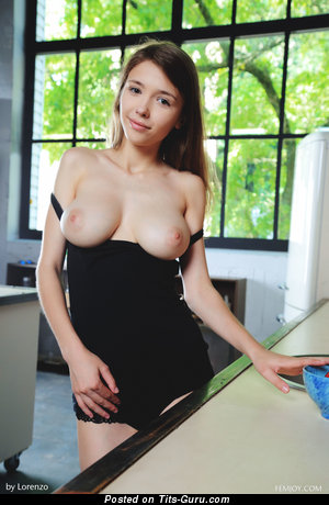 Image. Milla - nude wonderful lady with medium natural tittys image