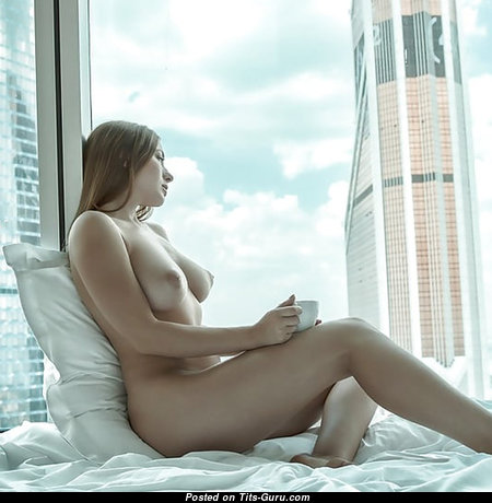 Graceful Unclothed Babe (18+ Image)