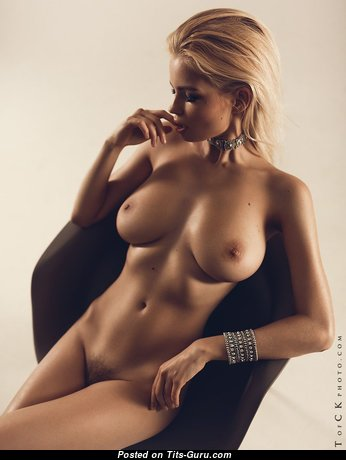 The Best Babe with The Best Open Real Normal Titties (Xxx Image)