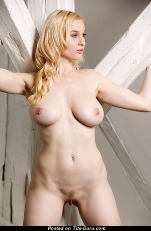Image. Micha - hot female with natural tittes pic