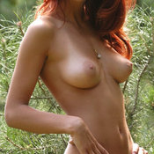 Red hair with medium natural tittes picture