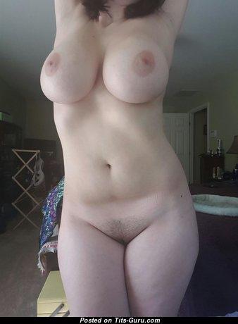 Adorable Naked Mom (Porn Photoshoot)