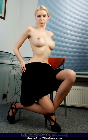 Izolda Queen - naked nice woman with big tittys photo