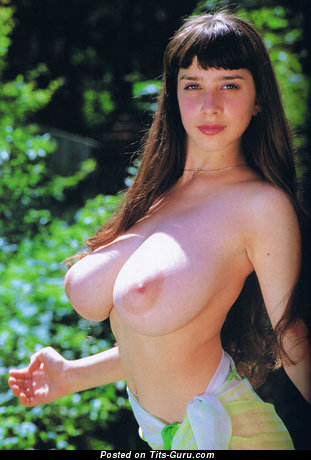 Yulia Nova - Stunning Russian Girl with Stunning Nude Natural Great Chest (Hd 18+ Picture)