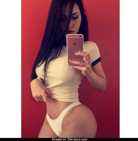 Amateur nude brunette with big breast selfie