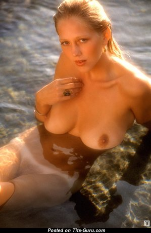 Hope Olson - Gorgeous Topless & Wet American Playboy Blonde Actress, Babe & Pornstar with Gorgeous Nude Natural Tittes, Long Nipples, Tan Lines in the Pool (Hd Sex Image)