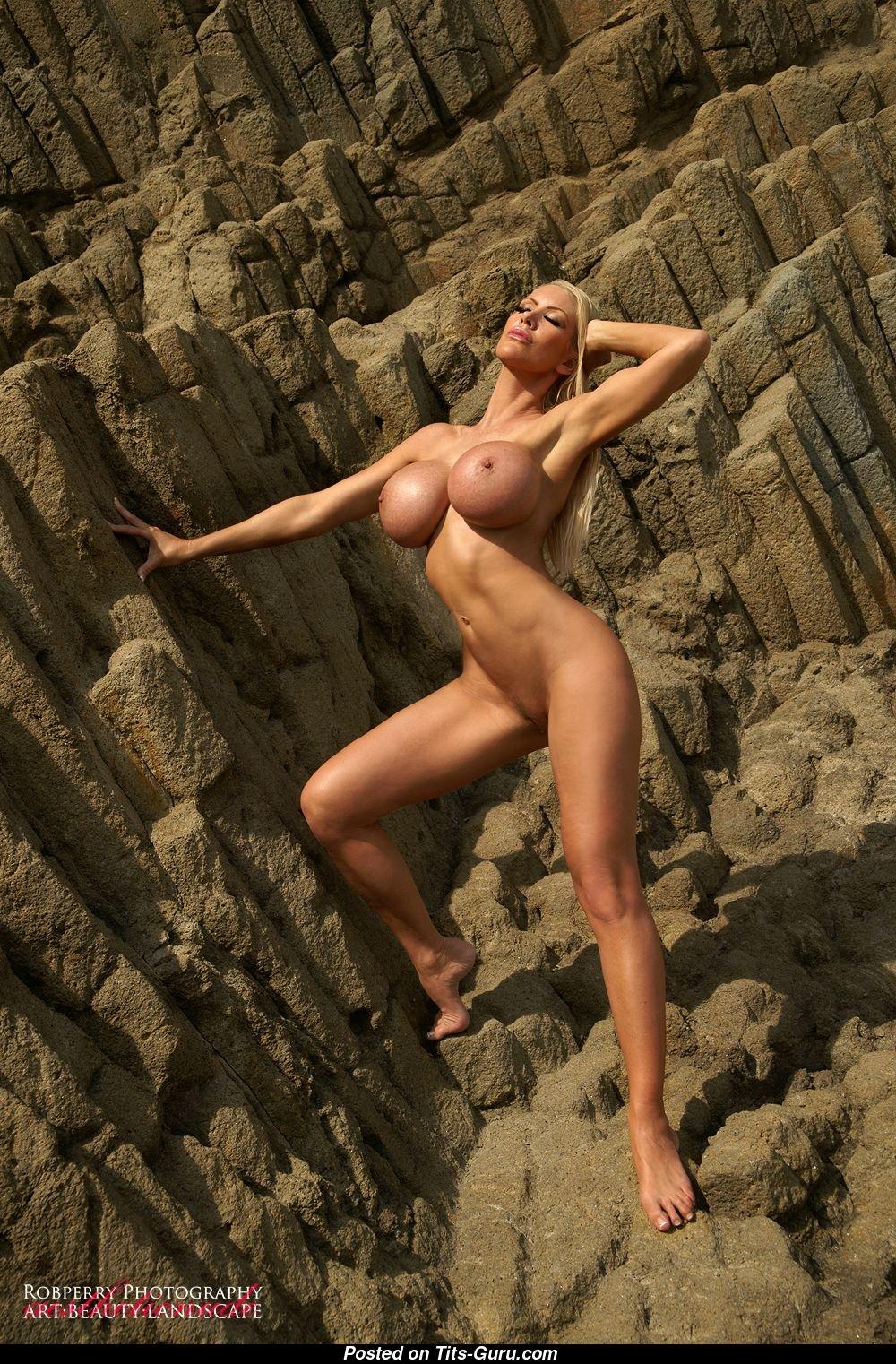 Amazon Nude Pic tania amazon nude 🌶️ 4 pics of hot naked boobs
