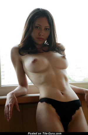 Image. Naked beautiful girl pic
