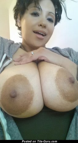 Crazy Jenn: красотка с классными обнажёнными натуральными выдающимися сиськами (домашнее hd порно фото)