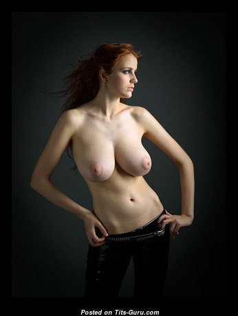 Ameliya Noita - Dazzling Red Hair Babe with Dazzling Naked Natural Titties & Huge Nipples (18+ Foto)