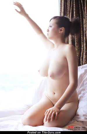 Bing Yi - Alluring Chinese Dame with Alluring Open Real Mid Size Knockers (Hd Sex Foto)