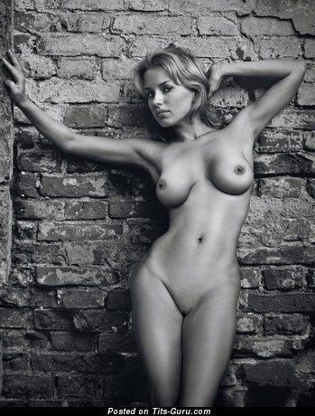 Image. Naked beautiful girl with medium boob image