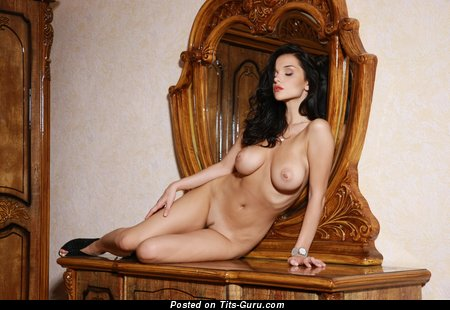 Image. Nude wonderful woman with big tittys picture