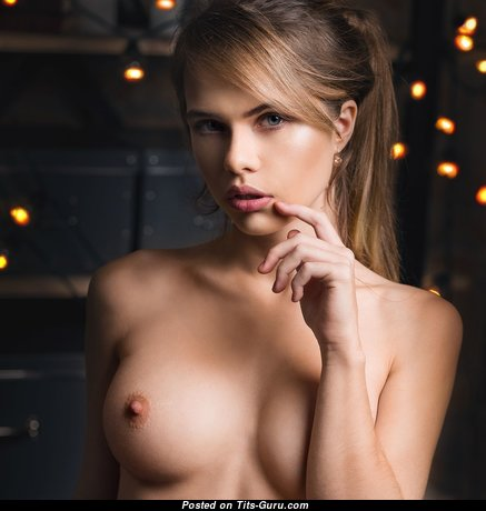 Awesome Glamour Doxy with Awesome Exposed Natural Tittes (Hd 18+ Image)