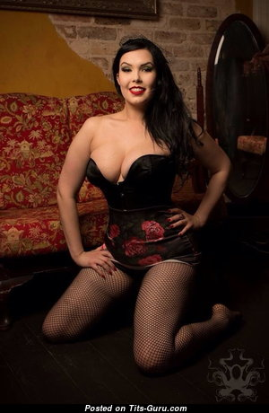 Elixir Black - Nice Non-Nude Australian Brunette Babe (18+ Picture)