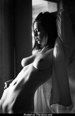 Изображение. Фото красивой обнажённой чувихи