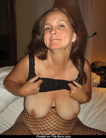 Stunning Topless Mom & Wife with Large Nipples in Lingerie (on Public Hd Sexual Pic)