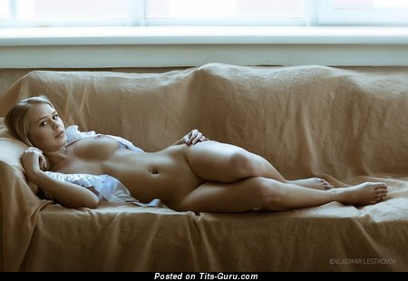 Image. Nude awesome woman picture