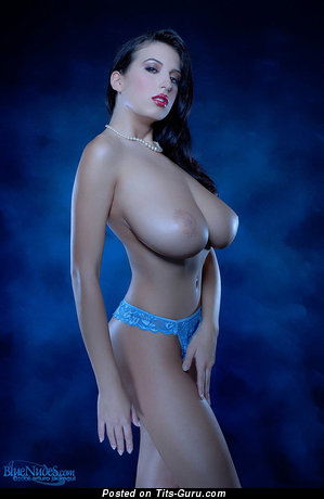 Handsome Chick with Handsome Bare Huge Tittes (Hd 18+ Photo)