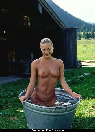 Изображение. Картинка умопомрачительной голой женщины с натуральной грудью