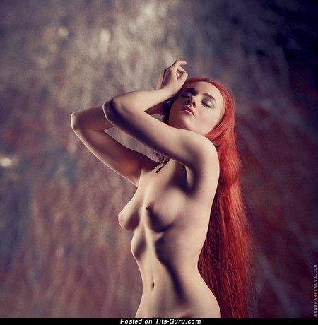 Изображение. Картинка умопомрачительной обнажённой девахи