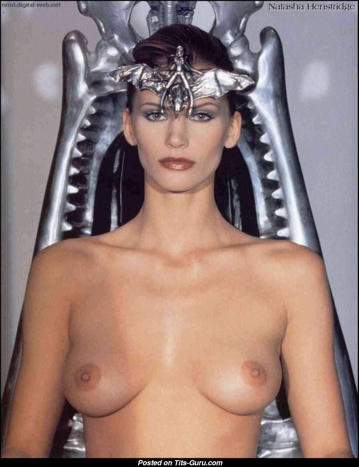 Natasha henstridge boobs in species ii scandalplanetcom - 1 part 4