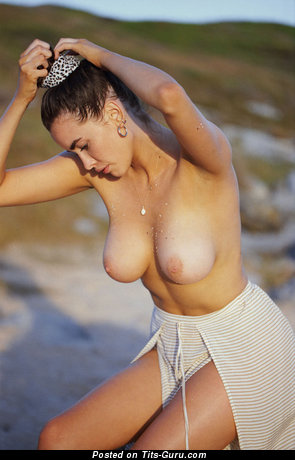 Sarah Stephens - Handsome Australian Brunette Babe with Hot Exposed Natural Normal Tit (Hd Xxx Image)