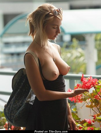 Image. Nude nice female with medium natural tittys pic