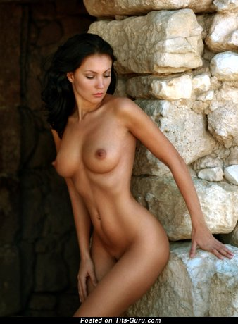 Image. Naked beautiful girl image