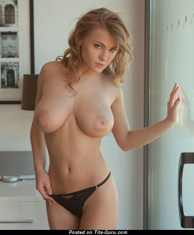 Image. Naked beautiful girl with medium natural tittes image