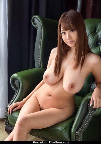 Shion Utsunomiya: naked asian with medium natural boobies image