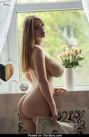 Dazzling Babe with Dazzling Open Real Big Tittes (Xxx Pic)
