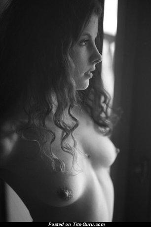 Stunning Topless Brunette (18+ Pic)
