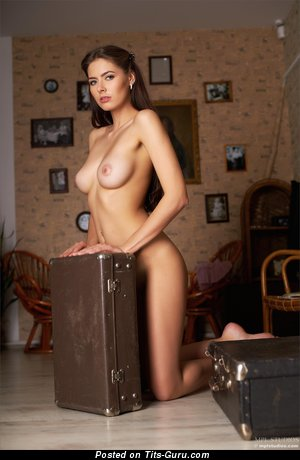 Image. Arianna - nude brunette with medium natural boobies photo
