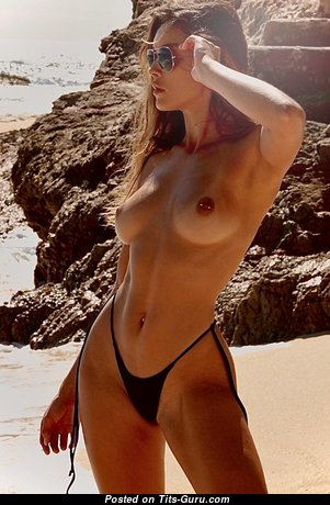 Cherokee Luker - Exquisite Glamour & Topless Brunette Babe & Girlfriend with Exquisite Nude Real D Size Boobs, Big Nipples, Tan Lines & Sexy Legs in Bikini on the Beach (Hd Sex Foto)