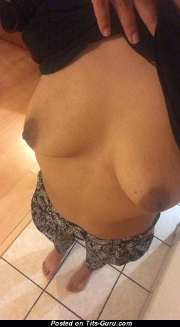 Sharon - Splendid Topless Latina Girl with Erect Nipples (on Public Selfie Hd 18+ Photo)