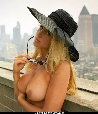 Image. Nude amazing woman with big tittys pic