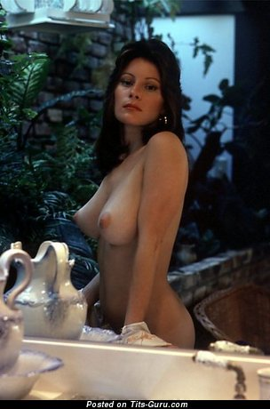 Francine Parks - Hot American Brunette with Hot Nude Real Tight Boobys (18+ Picture)