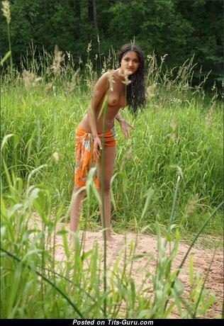 Pleasing Topless Brunette (on Public Hd Sex Photoshoot)